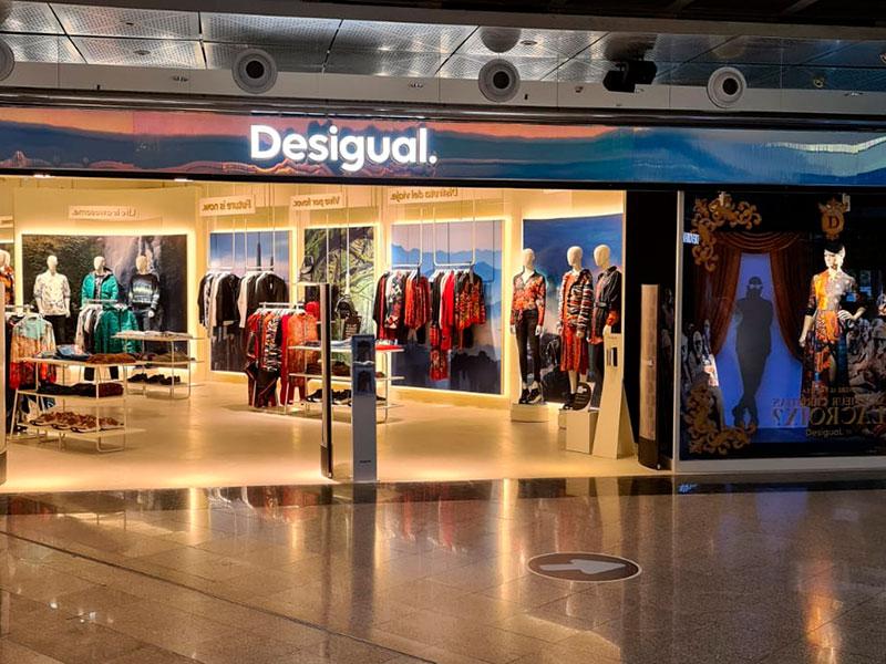 Tienda DESIGUAL centro comercial principado en Oviedo